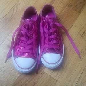 Girls shimmery pink low top converse all stars